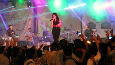 Jonita Gandhi performing at Incandecence'15
